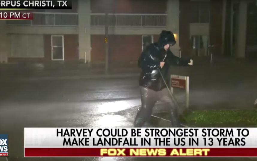"Мощнейший за 12 лет ураган ""Харви"" обрушился на Техас. Фото Скриншот Youtube"