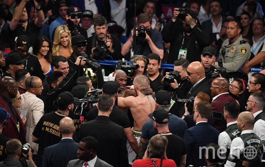 Соперники поприветствовали друг друга по окончании боя. Фото Getty