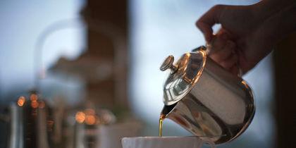 Сеть взбудоражило заявление, что некоторые люди стирают нижнее белье в гостиничных чайниках