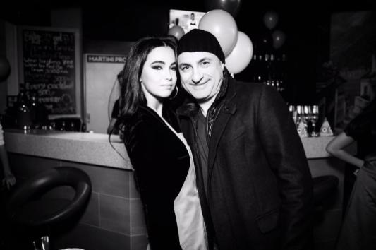 Сарина с отцом Михаилом Турецким. Фото Instagram невесты.