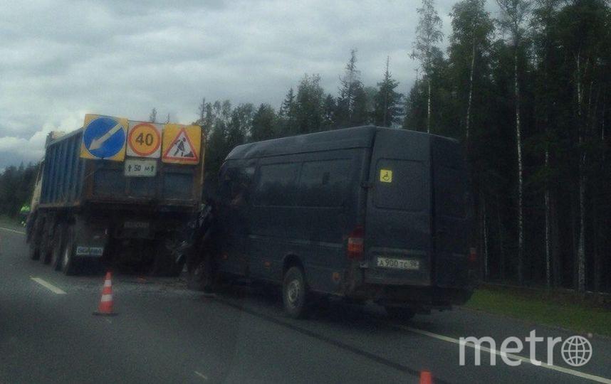 Водитель микроавтобуса погиб в ДТП на Новоприозерском шоссе. Фото все - vk.com/spb_today