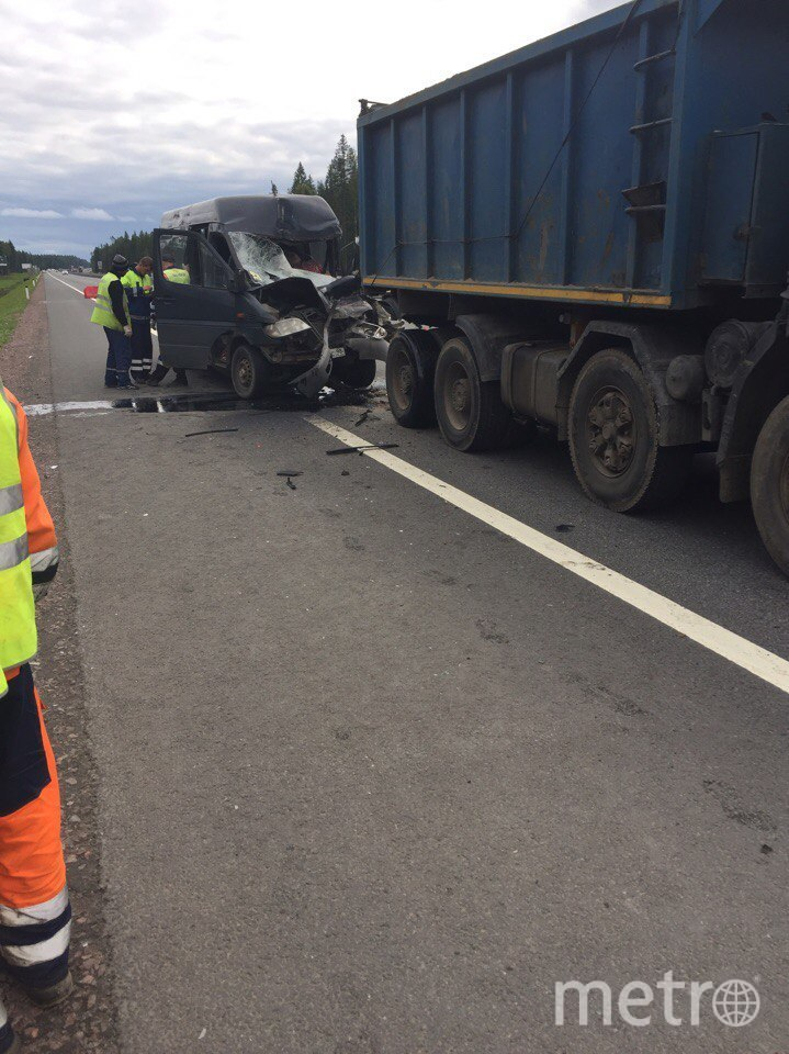 Водитель микроавтобуса погиб в ДТП на Новоприозерском шоссе.