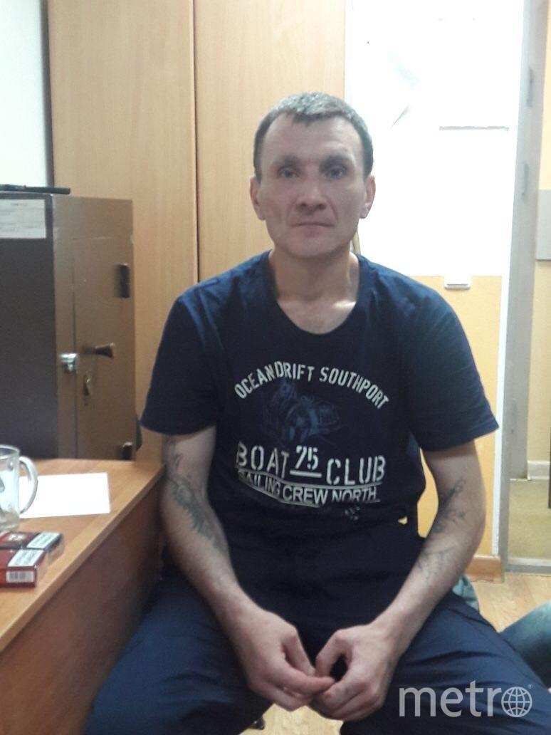 Сотрудники полиции задержали подозреваемого в краже велосипеда. Фото предоставлены ГУВД Петербурга.