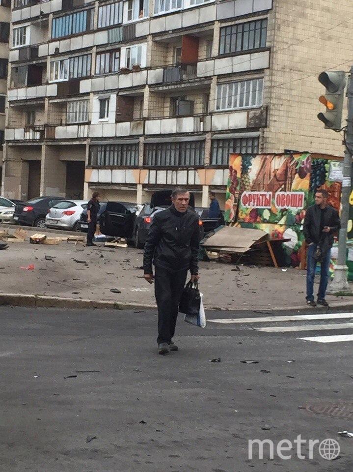 После удара иномарка вылетела на тротуар. Фото vk.com