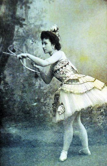 Сплетники называли Матильду за глаза «царской ведьмой»: она смогла свести с ума трёх мужчин из рода Романовых | фото из архива.