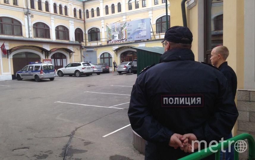Полиция у здания ОВД, где допросили Джабраилова. Фото Василий Кузьмичёнок