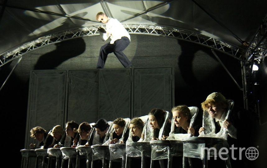 """Спектакль """"Вишневый сад. Тишина"""". Фото Михаил Садчиков-младший"""