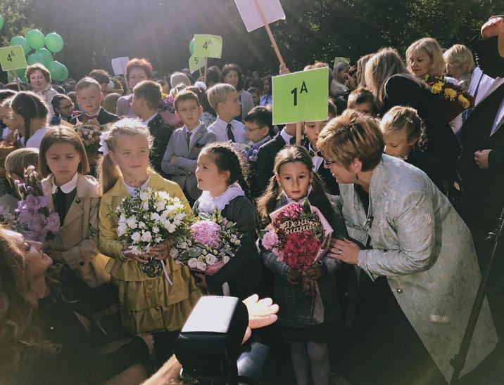 Дочь Светланы Лободы - Ева, только начала свой школьный путь. Фото Скриншот/Instagram:lobodaofficial