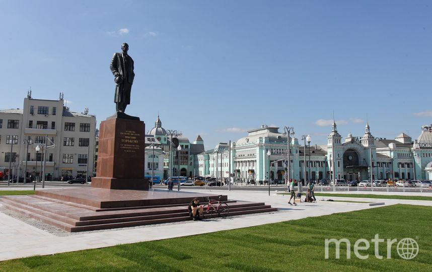 Памятник Максиму Горькому. Фото Василий Кузьмичёнок