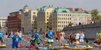 В центре Москвы прошла первая регата SUP-сёрферов