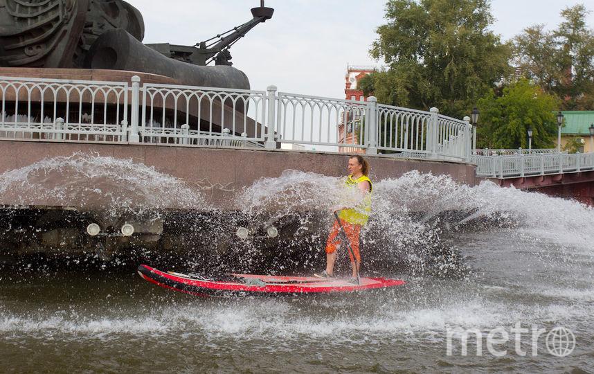 """Мало кто был так близко к фонтанам на памятнике Петру Первому на стрелке. Фото Василий Кузьмичёнок, """"Metro"""""""