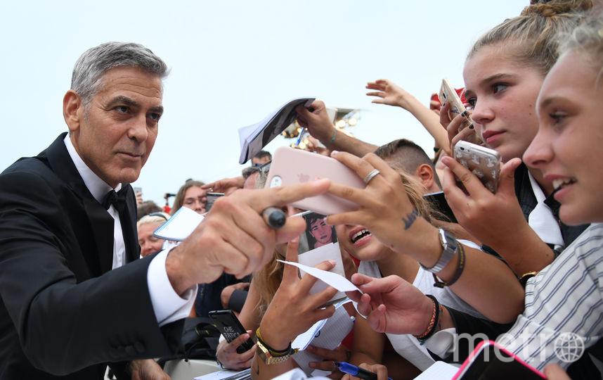 жордж и Амаль Клуни впервые вышли в свет после рождения детей. Фото AFP