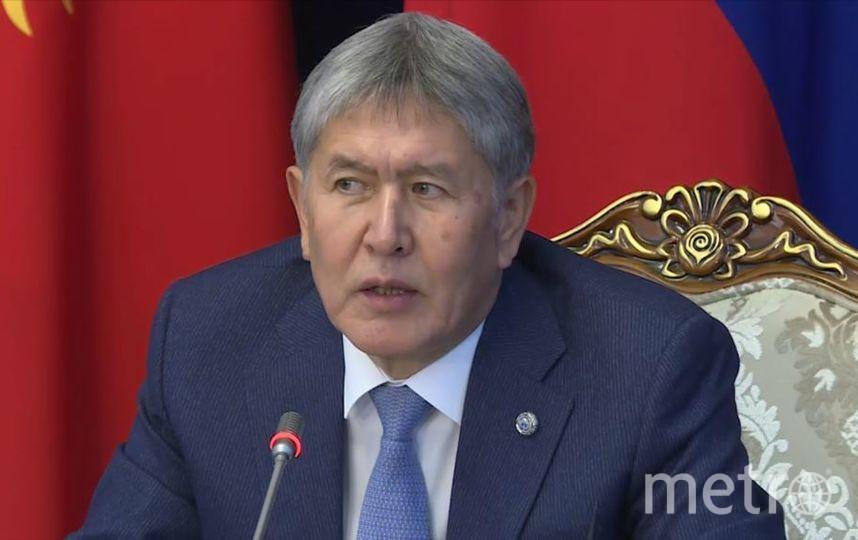 Глава Кыргызской Республики Алмазбек Атамбаев посетил Москву.