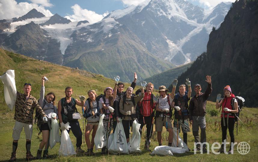 Цель акции - очистить самую высокую вершину Европы от мусора.
