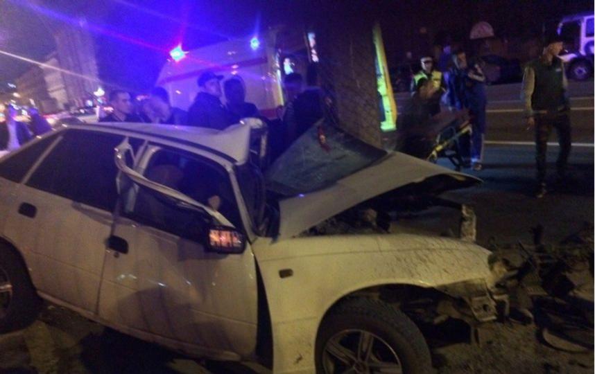 Фото из соцсетей с места аварии.