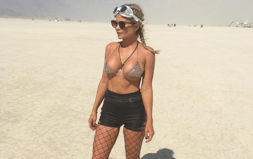 """Burning Man 2017: самые откровенные наряды """"горячего"""" фестиваля. Фото Скриншот instagram.com/chloejade_89/"""