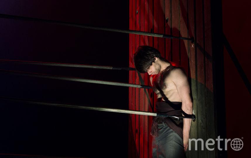 Сцена из спектакля «Тарас» | фото Натальи Кореновской. Фото предоставлены театром «Балтийский дом.