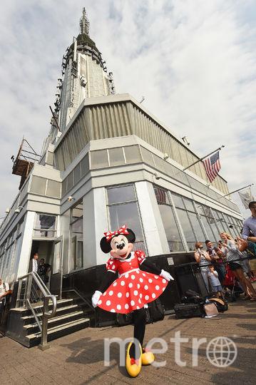 Минни Маус позировала на самом высоком здании Нью-Йорка. Фото Getty
