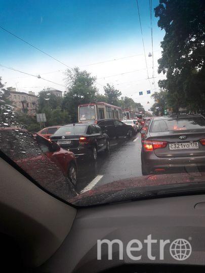 ДТП на Светлановской заблокировало движение трамваев.