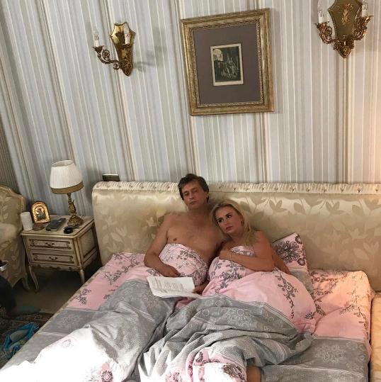 Анна семенович в постели фото