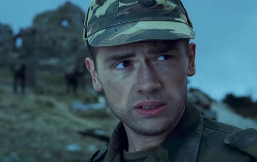 """кадр из сериала """"Грозовые ворота""""."""
