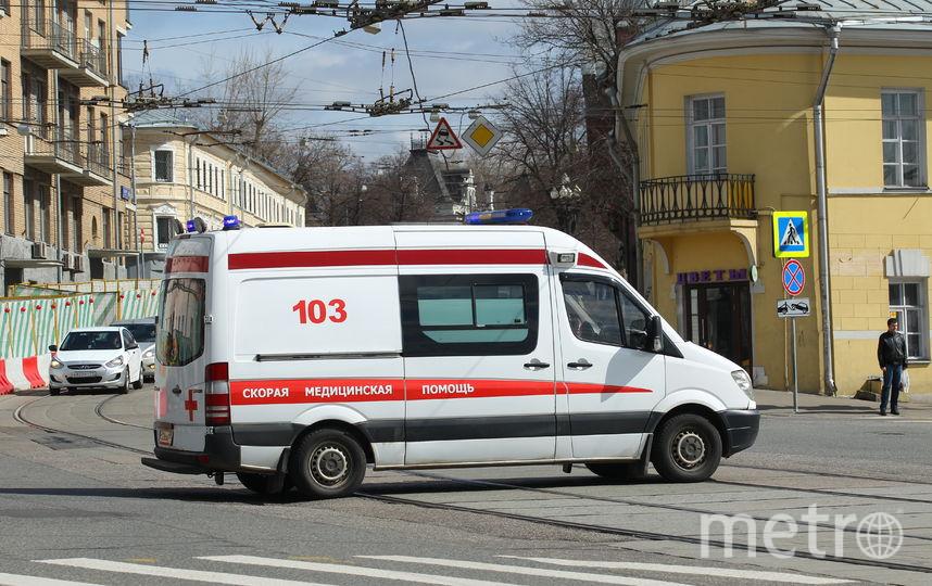 """Автомобиль с женщиной и ребёнком рухнул с многоэтажной парковки в Москве. Фото Василий Кузьмичёнок, """"Metro"""""""