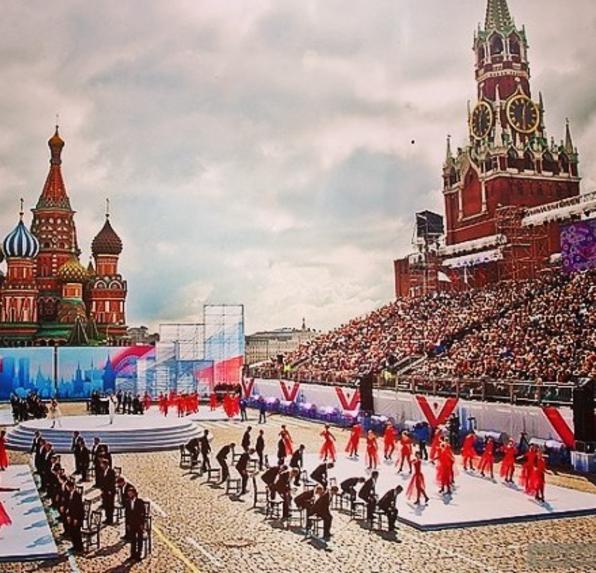 Праздничные мероприятия в честь 870-летия Москвы проходят на Красной площади. Фото Instagram kiper_vadim