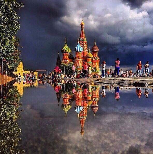 Праздничные мероприятия в честь 870-летия Москвы проходят на Красной площади. Фото Instagram bina_bibina