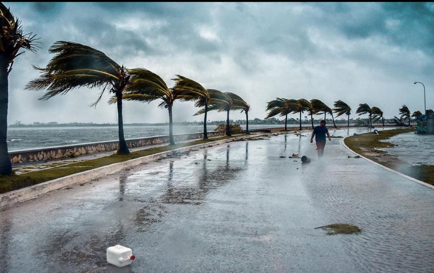 """Ураган """"Ирма"""" набирает обороты. Фото Скриншот www.instagram.com/alarabiya_eng/"""
