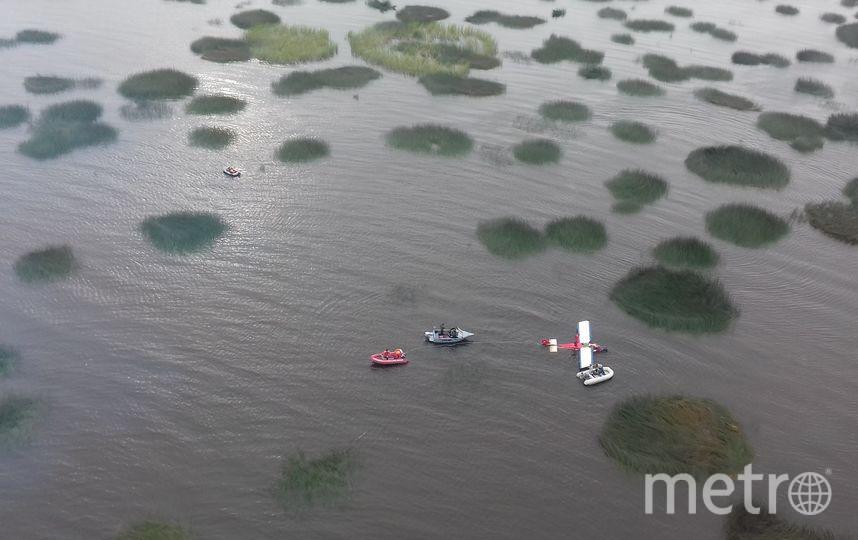 Следственный комитет проводит проверку в связи с упавшим самолетом. Фото все - vk.com/spb_today