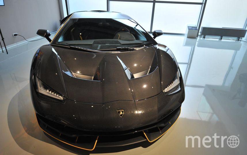 "Раритетный Lamborghini Miura стоит более 2 млн евро. Фото Святослав Акимов., ""Metro"""