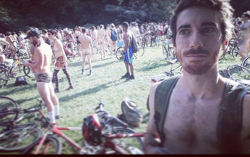 Philly Naked Bike Ride - 2017. Фото Скриншот www.instagram.com/iamdarwinsgod/