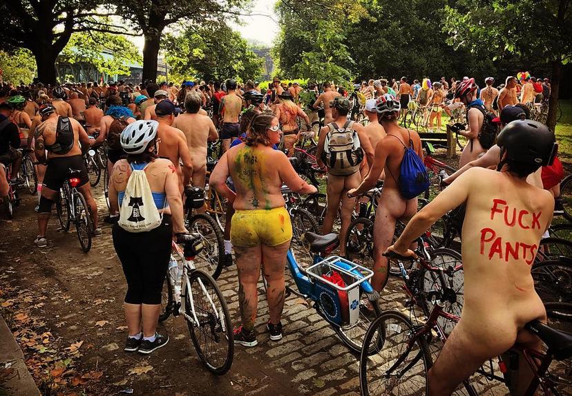 Philly Naked Bike Ride - 2017. Фото Скриншот www.instagram.com/themojoshow/