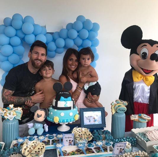 Лионель Месси с семьёй. Фото Instagram Месси.