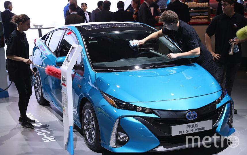Автосалон во Франкфурте. Toyota Prius plug-in hybrid. Фото Getty
