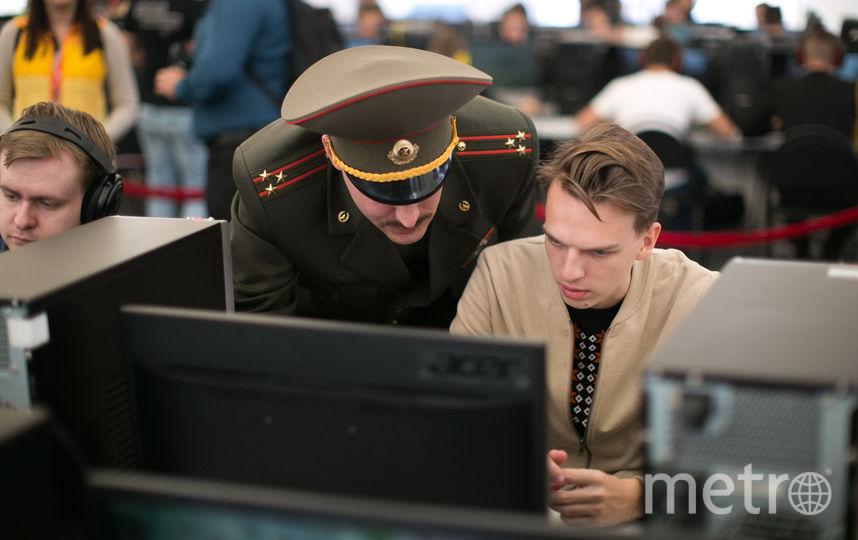 Военный даёт наставления репортёру Metro перед боем в World of Tanks. Фото Предоставлено пресс-службой Wargaming