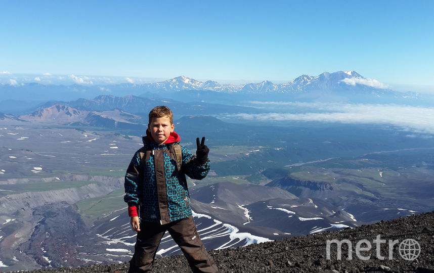 Этим летом я с сыном Максимом (10лет) отдыхали на Камчатке и покорили Авачинскую сопку, высотой 2741м. Лебедева Наталия Васильевна.