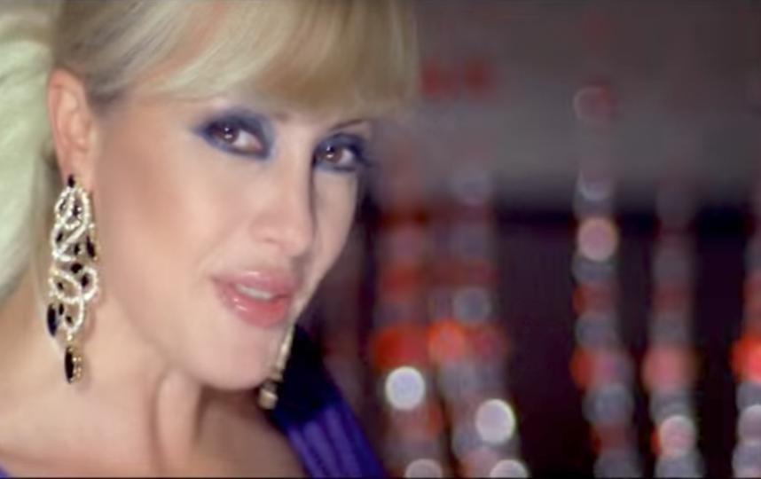"Кадр из клипа ""Про красивую жизнь"". Фото скриншот youtube.com/watch?v=qvHLZiac0vA."