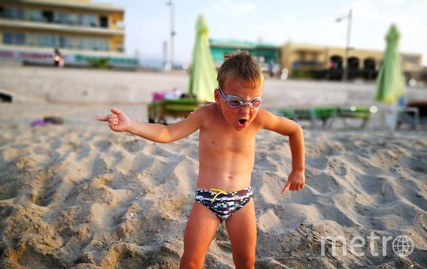 Сынок (4 года) после затяжной питерской зимы наконец-то увидел лето и Критское море! Фото Шебеста Анна Альянсовна