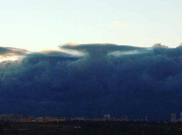 Шторм в Москве. Фото Instagram vasilyshevelilkin