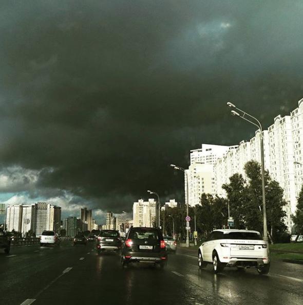 Шторм в Москве. Фото Instagram 1ubov