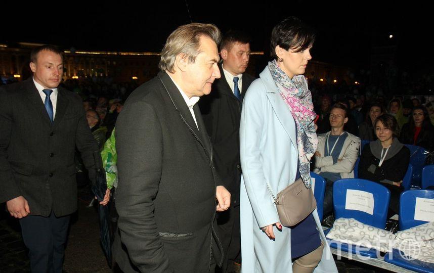 Алексей Учитель приехал на открытие в сопровождении охраны.