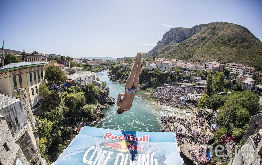 Никита Федотов впервые участвовал в серии Red Bull Cliff Diving. Фото redbullcontentpool.com
