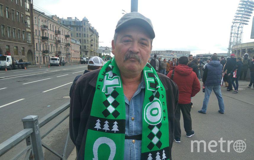 "Александр Константинов, электромонтёр, 58 лет. Фото Филипп Ковалёв, ""Metro"""