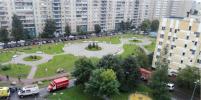 Женщина, прыгнувшая с детьми из окна горящей квартиры в Петербурге, погибла