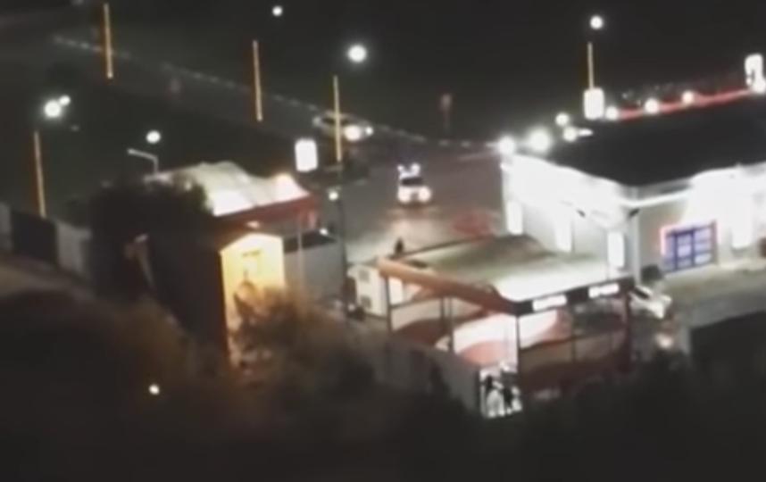 Кадры задержания мигрантов у ТЦ в Люблино. Фото Скриншот Youtube