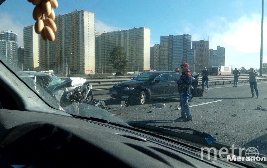 Насевере КАД столкнулись три машины