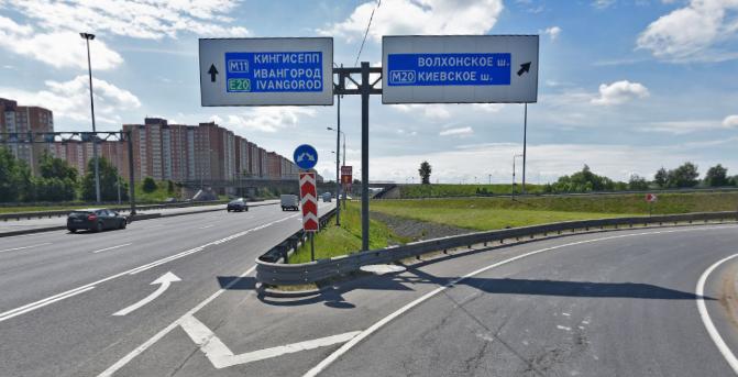 Закроют эти съезды на развязке с Таллинским шоссе.