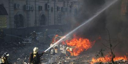 Число погибших при пожаре в гостинице в Ростове-на-Дону увеличилось – фото и видео