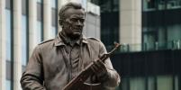 Эксперт рассказал, как чертёж немецкого автомата оказался на памятнике Калашникову